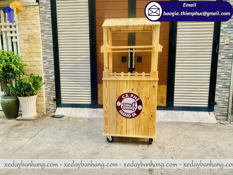xe gỗ bán cà phê lưu động