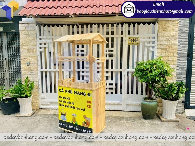 tủ gỗ bán cafe