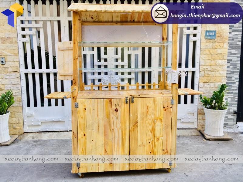 tủ gỗ bán hàng lưu động