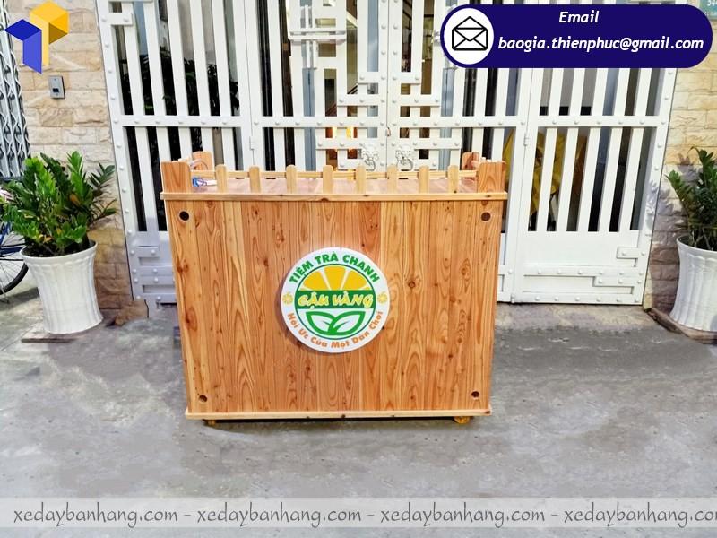 tủ gỗ bán nước ép